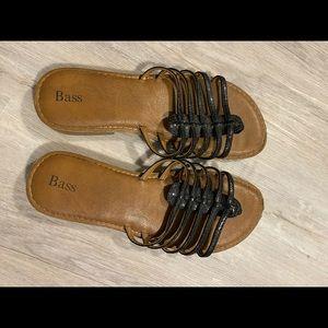 Bass flip flop sandal